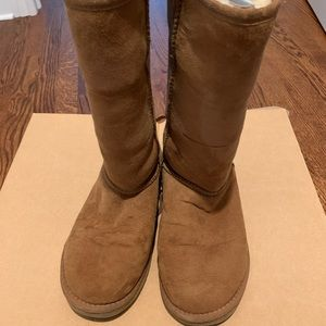 UGG Women's Classic Tall Boot Size 7